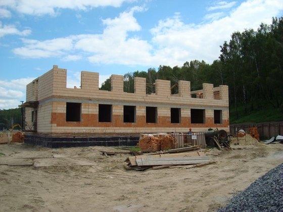 строительство здания из керамоблоков